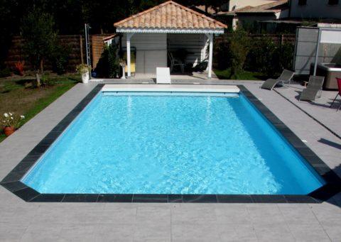 R alisations de piscines traditionnelles coque polyester for Construction piscine langon