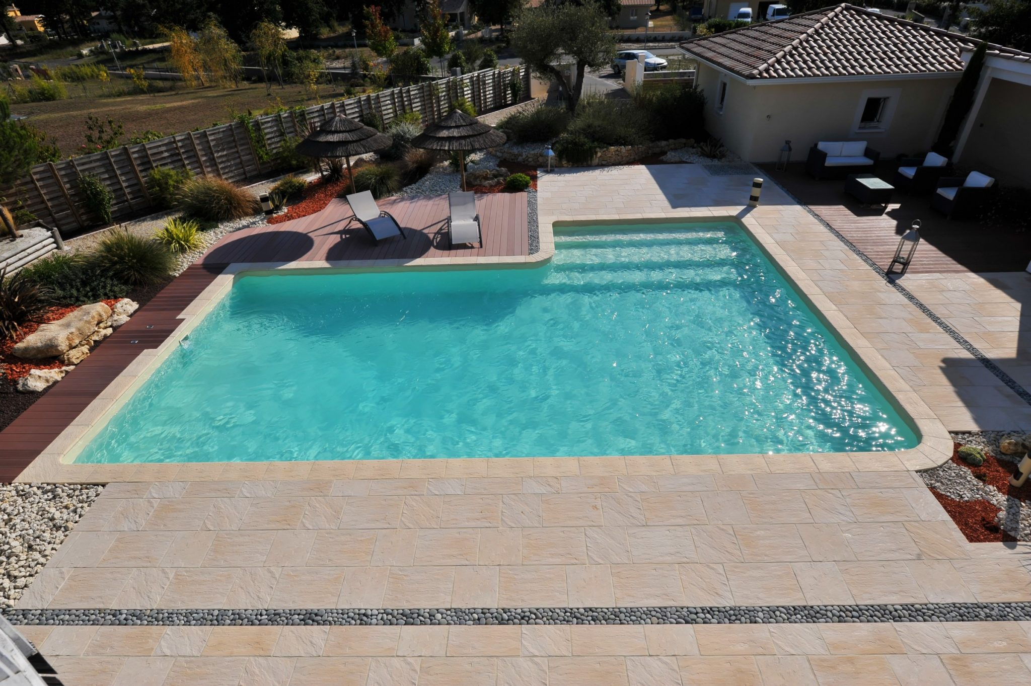 Piscine kit delaunay reference piscine constructeur de for Piscine constructeur